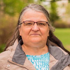 Ulla Flink toimii äitinsä etäomaishoitajana