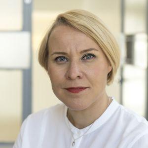 Ulkomaantoimittaja Marjo Näkki.