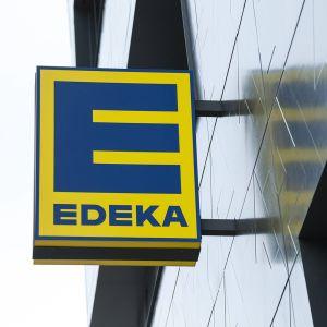 Edeka-kauppaketjun logo.
