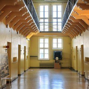 Vankilamuseon keskuskäytävä