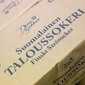 Suomalainen taloussokeri -pakkaus lähikuvassa.