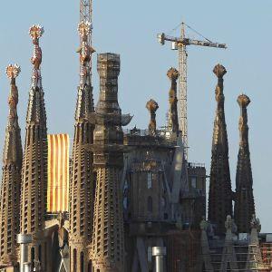 Sagrada Famílian kirkko on Barcelonan tunnetuin nähtävyys.