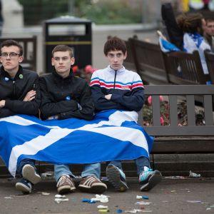 Skotlannin itsenäisyyden kannattajia kansanäänestyksen jälkeen