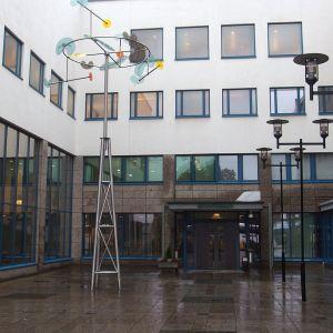 Jyväskylän oikeustalon sisäänkäynti.