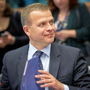 Valtiovarainministeri Petteri Orpo (kok.) euroryhmän kokouksessa heinäkuussa.