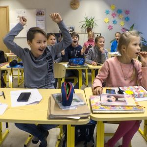 Kouluopetus Virossa.