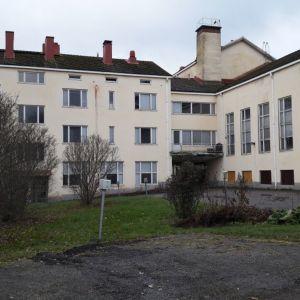 Huittisten Lauttakylän koulurakennus on poissa käytöstä sisäilmaongelmien takia