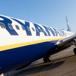 Ryanairin lentokone.
