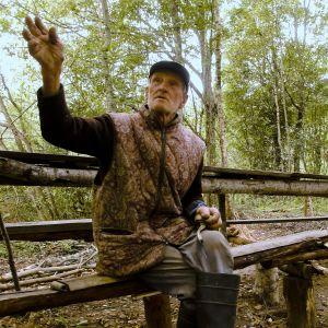 Vanha mies Sammatuksen kylässä Aunuksen Karjalassa