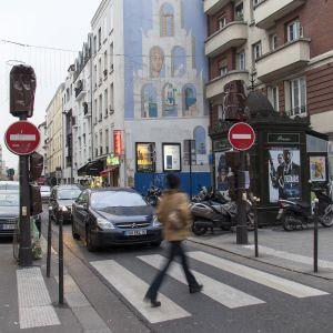 Liikennevalojen peittäminen pakottaa autoilijat ja jalankulkijat aiempaa suurempaan tarkkaavaisuuteen.