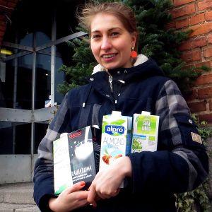 Sanni Klemelä oli mukana Kolmen kovan kasvimaitotestiryhmässä.