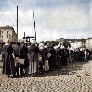 Perunajono Kauppatorilla 1918
