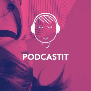 Digitreenien pääkuva podcasteista. Naisella on kuulokkeet korvillaan.