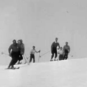 Hiihtäjiä 1930-luvulla