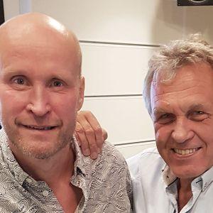 Niklas Winter och Benny Törnroos i studion