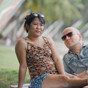 Tuontirakkautta-sarjan henkilöt Alexandra Elfving (Sandra) ja Hans Elfving.