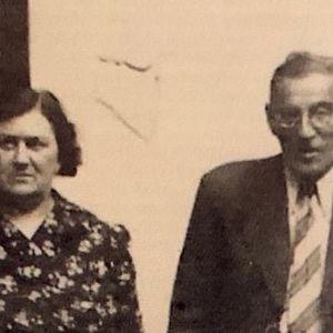 Pariskunta vanhassa kuvassa