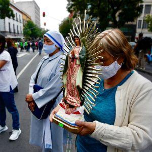 Abortin vastustajia Meksikossa.