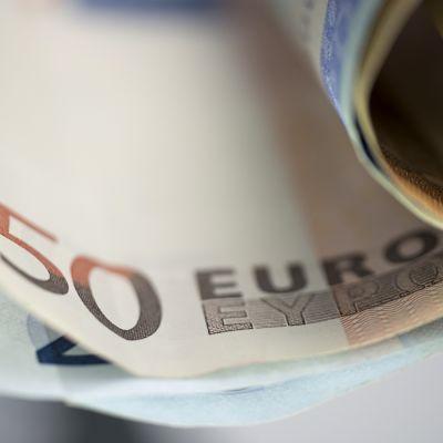 Setelinipusta erottuu 50 euron seteli.
