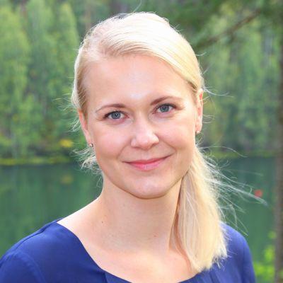 """Henna Konun väitöskirja """"Customer involvement in new experiential tourism service development : evidence in wellbeing and nature tourism contexts"""" paneutuu matkailun elämyksellisyyteen."""