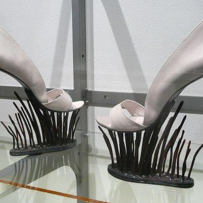 Kengät, joiden pohjassa on käytetty rautanauloja