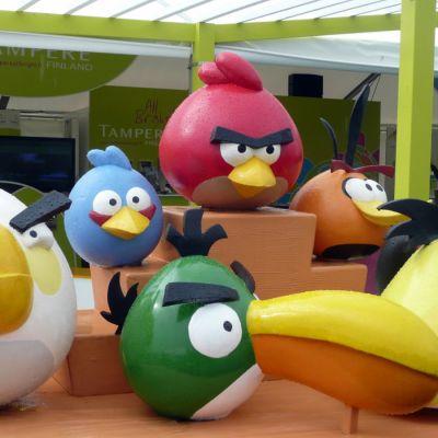 Angry birds -hahmoja Tampereen messuosastolla Asuntomessuilla