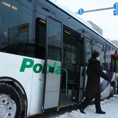Bussi Pasilan asemalla.