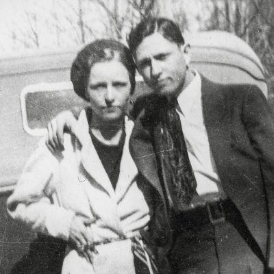 Valokuvat ja hurjat tarinat Bonniesta ja Clydesta puhuttivat amerikkalaisia ympäri maata suuren laman aikaan.