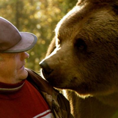 Sulo Karjalainen ja Juuso-karhu