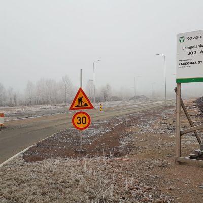 Lampelankatua rakennetaan Rovaniemellä.