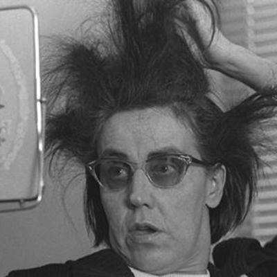 Radioviihdyttäjä Aune Haarla.