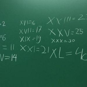 Matematikuppgifter i skolan.
