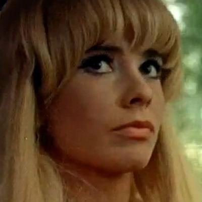 Kirsti Wallasvaara Säästöpankin mainoksessa (1969)