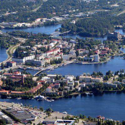 Savonlinnan keskusta ilmasta kuvattuna.