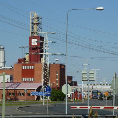 Arizona Chemicalsin tehdasalue Oulun Nuottasaaressa