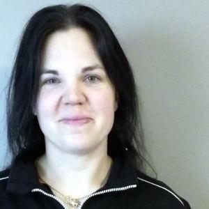 Porträttbild på Heidi Bäckström.