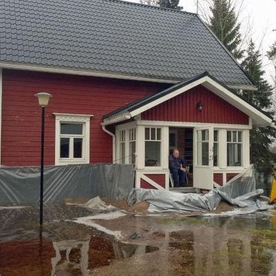 Översvämning når bostadshus i Pudasjärvi