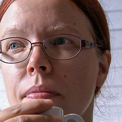 Paula Sankelo kasvokuvassa.