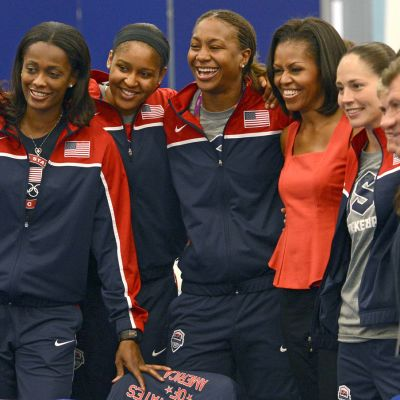 Michelle Obama ja koripallojoukkue