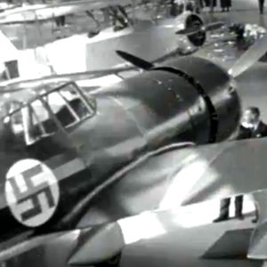 Fokker D.XXI -sotilaskone Messuhallissa (1938).