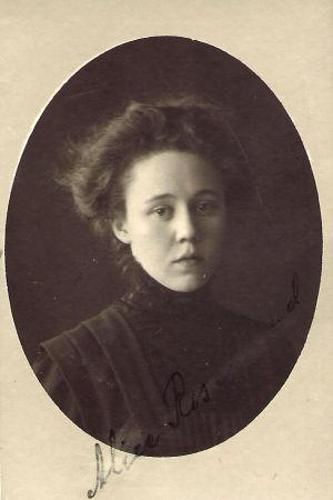 Porträtt på den åländska socialisten Alice Rosenblad, ca 1917.
