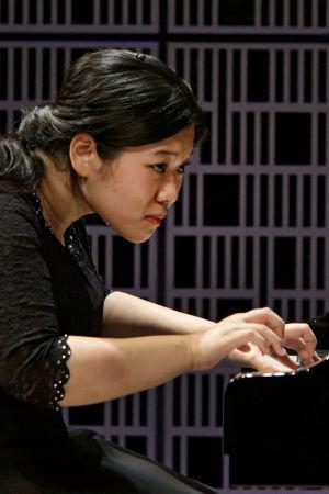 Eteläkorealainen Hyo-Eun Park Maj Lind -kilpailun alkuerässä.