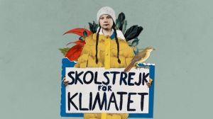 Greta Thunberg pitää edessään kylttiä, jossa lukee ruotsiksi Skolstrejk för klimatet.