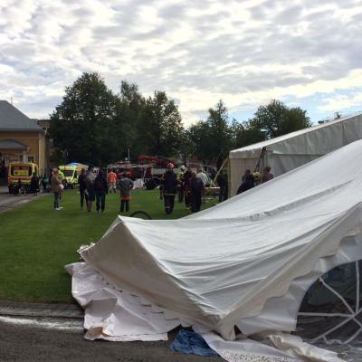 Romahtaneita telttoja Joensuun Parafest-tapahtumassa
