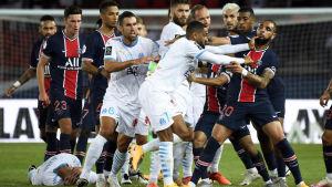 Slagsmål i klassikermötet PSG-Marseille