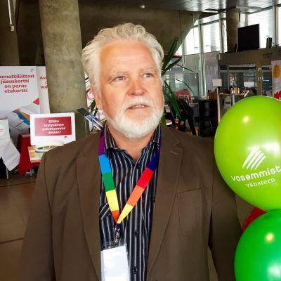 Marti Korhonen muistutti lauantaiaamuna, että kansanliike tarvitsee erilaisia kasvoja edustamaan puoluetta julkisuudessa.