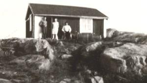Lignell/Pirttiluoman vanha mökki Tankarin saarella.