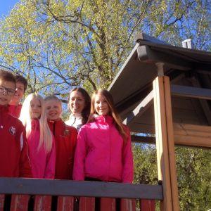 Elever laddade inför tävlingarna.