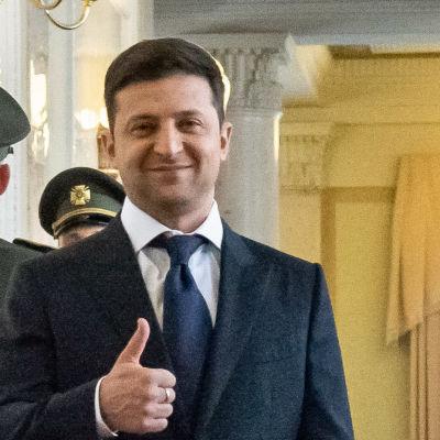 Ukrainas nya president Volodymyr Zelenskiy strax inför installationsceremonin.