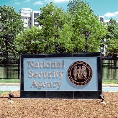 Yhdysvaltain Kansallisen turvallisuusviraston NSA:n päämaja Fort Meadessa Marylandadissa. Washington Post ja The Guardian -sanomalehdet kertoivat ensimmäisinä, että NSA:n salainen tiedusteluohjelma Prism on kerännyt miljoonien mm. Googlen, Facebookin ja Applen käyttäjien tietoja.